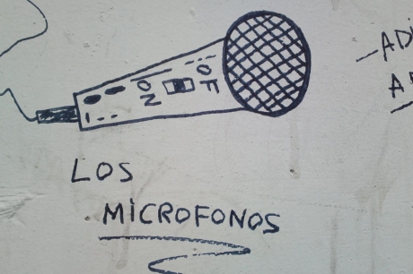 Los Micrófonos
