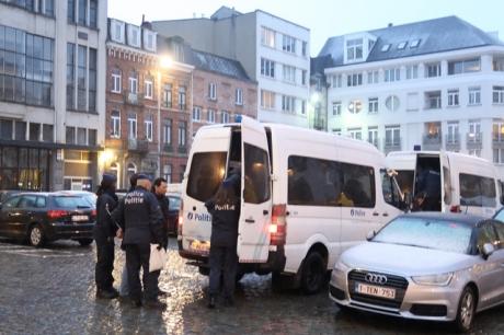 Politie-inval bij creative safe haven Globe Aroma