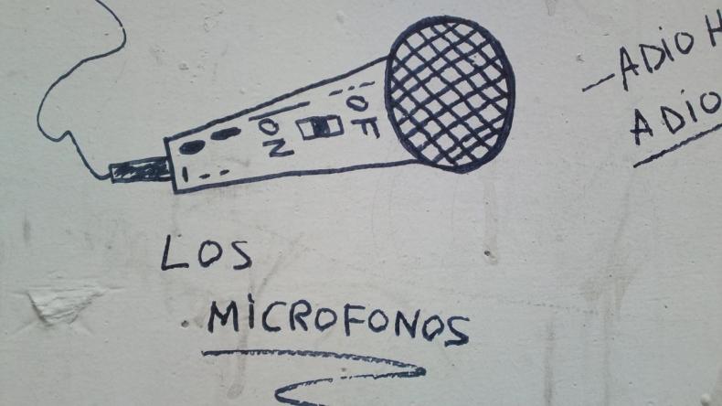 Los Micrófonos